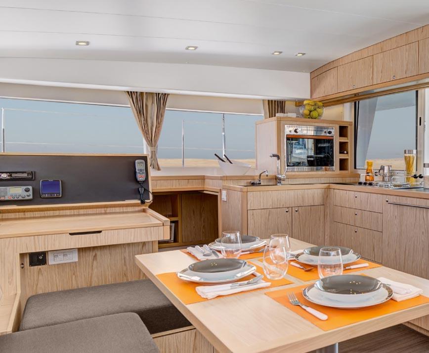 Alquiler de barcos en Ibiza: Interior del barco