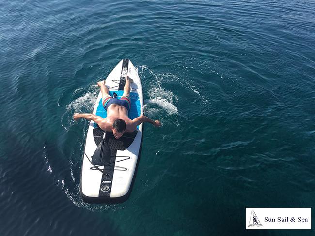 Padel surf catamaran en Ibiza